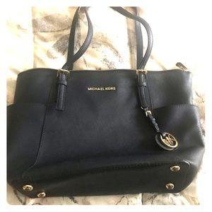 Michael Kors Jet Set purse